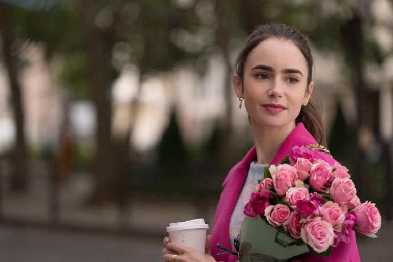 """Lily Collins como Emily Cooper, na série """"Emily em Paris"""""""