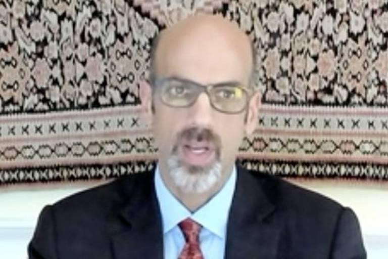 Em entrevista por vídeo à BBC News Brasil, Markovits diz que a meritocracia dá à sociedade uma ´razão poderosa´ para desconfiar das elites