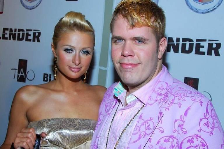 O pseudônimo Perez Hilton era uma brincadeira com o nome Paris Hilton, que era uma celebridade bem famosa na época em que ele lançou seu blog