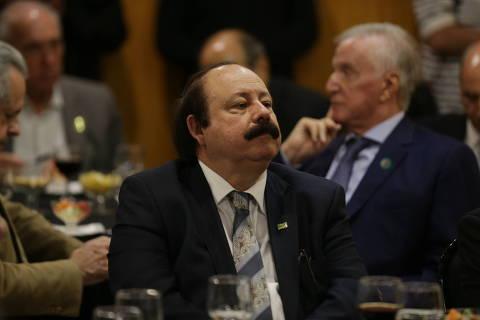 Em sabatina Folha/UOL, Levy Fidelix diz que Russomanno é de esquerda e que merecia apoio de Bolsonaro