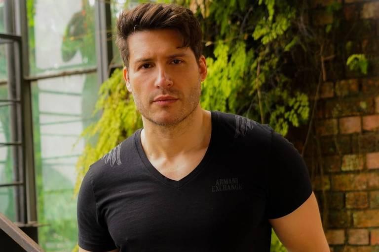 Imagem do ator Carlos Fonte Boa