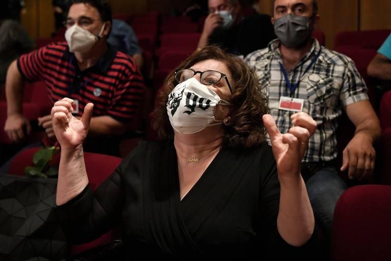Grécia condena partido neonazista Amanhecer Dourado em julgamento histórico