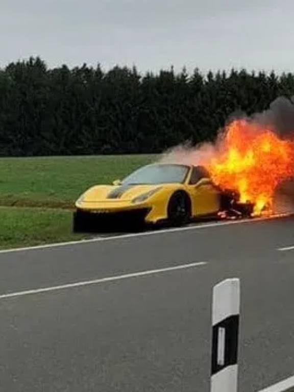 Ferrari pega fogo na Alemanha