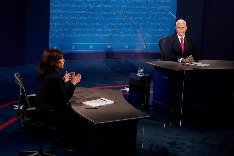 Kamala Harris (esq.) e Mike Pence, candidatos à Vice-Presidência dos EUA, participam de debate em Salt Lake City, em Utah