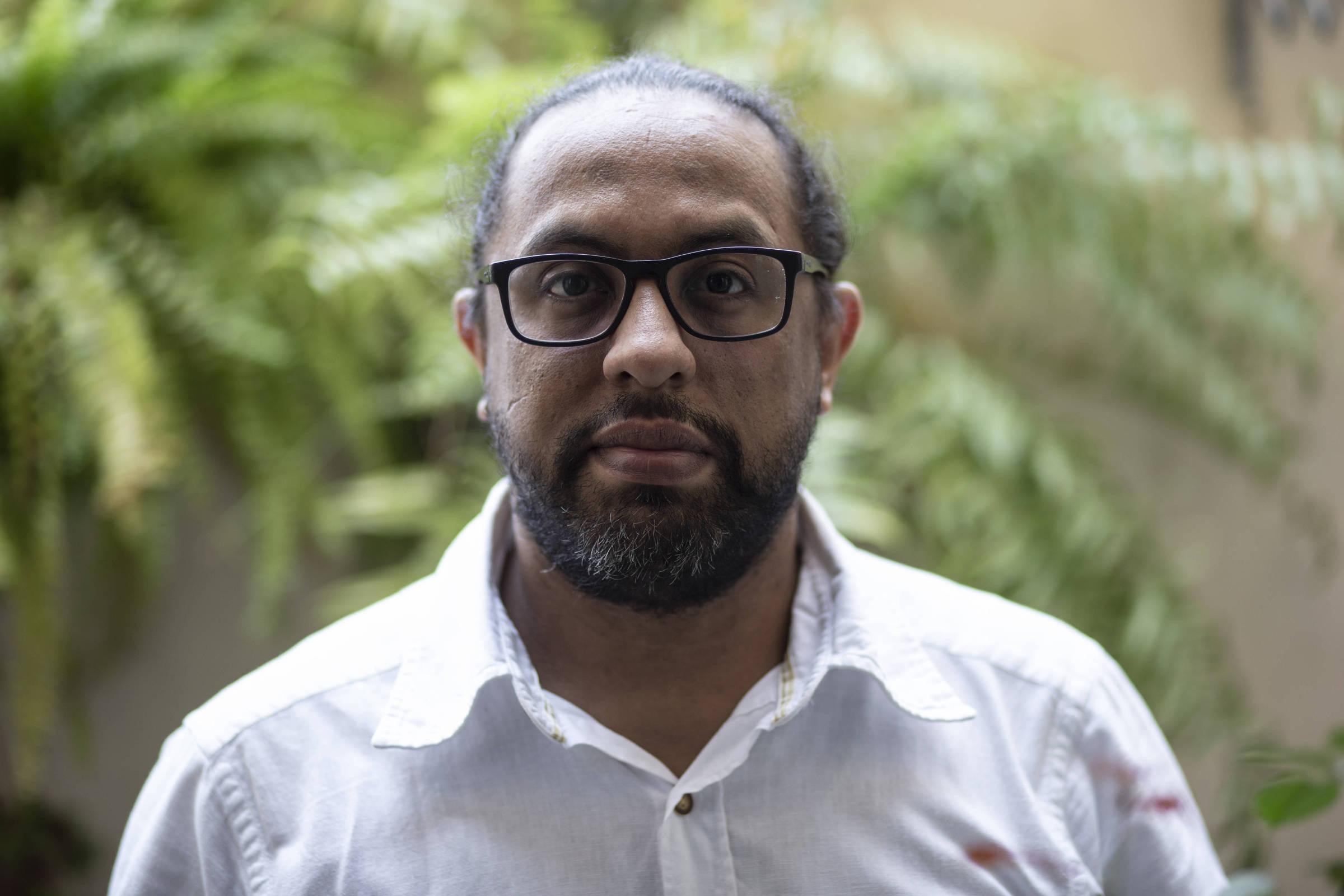 Carlos Escalona, jornalista da Venezuela, veio para o Brasil após passar por sequestro e receber ameaças