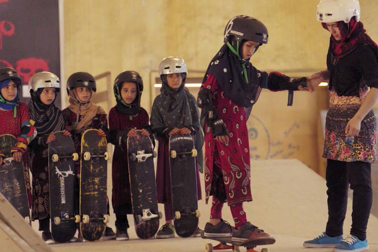 """Imagem do curta """"Aprendendo a Andar de Skate em uma Zona de Guerra"""", ganhador do Oscar"""