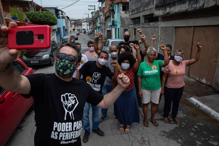 Líderes de movimentos sociais fazem campanha para PT e PSOL na periferia