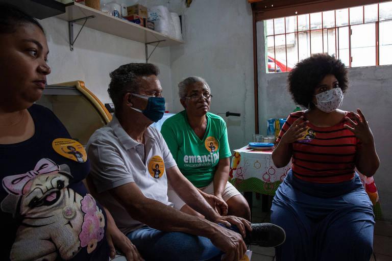 Lideranças sociais da Rede Emancipa organizaram uma roda de conversa com a Dona Maria Silva, no Jardim Castro Alves no Grajaú, na zona sul de São Paulo