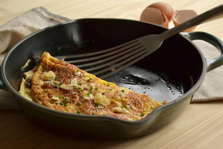 Aprenda a fazer omelete como na série Emily em Paris