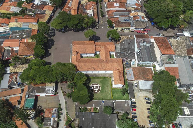 Vista do centro histórico de Embu das Artes, na Grande São Paulo