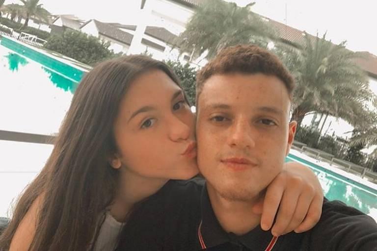 Sofia Liberato, filha de Gugu, posa com namorado