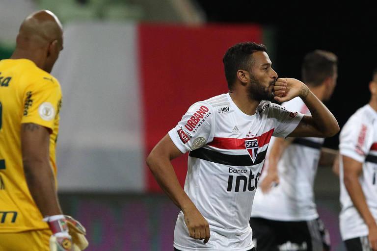 No primeiro turno, São Paulo conseguiu sua primeira vitória sobre o Palmeiras no Allianz na história