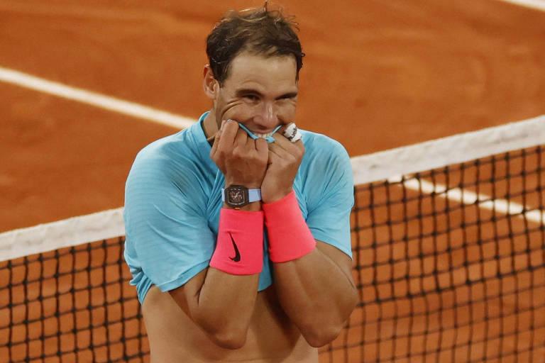 Rafael Nadal após vencer Roland Garros pela 13ª vez na carreira e igualar Roger Federer em 20 conquistas de Grand Slam