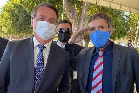 Distante do 2º turno, Bolsonaro foca em eleição da Câmara e escolha de um partido para 2022