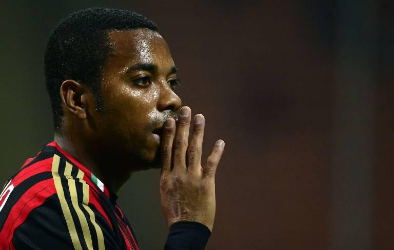 Robinho chegou ao Milan no segundo semestre de 2010 e ficou na equipe italiana até o fim de 2014. Por lá, conquistou o Italiano da temporada 2010-2011 e a Supercopa de 2011. A condenação por estupro aconteceu por um caso da época em que Robinho jogava no Milan, em 2013