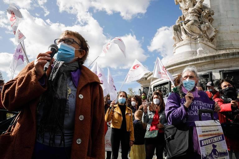 França quer ampliar prazo para aborto e proibir teste de virgindade