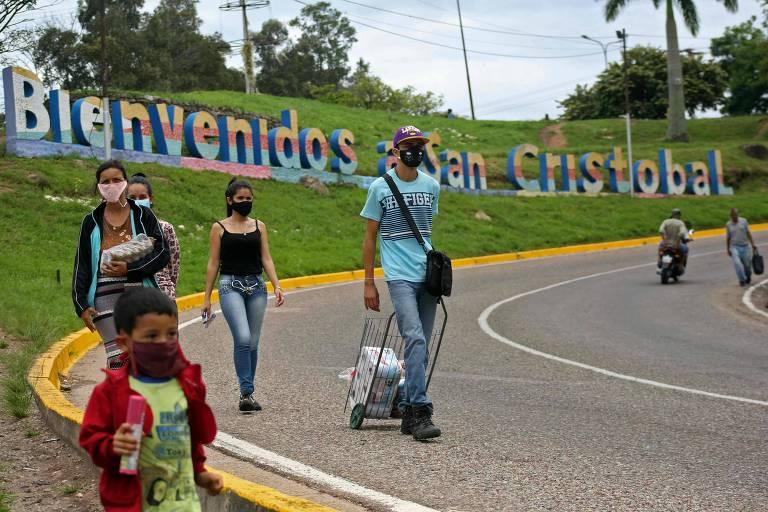 Venezuelanos sofrem abusos ao retornarem ao país, aponta ONG em relatório