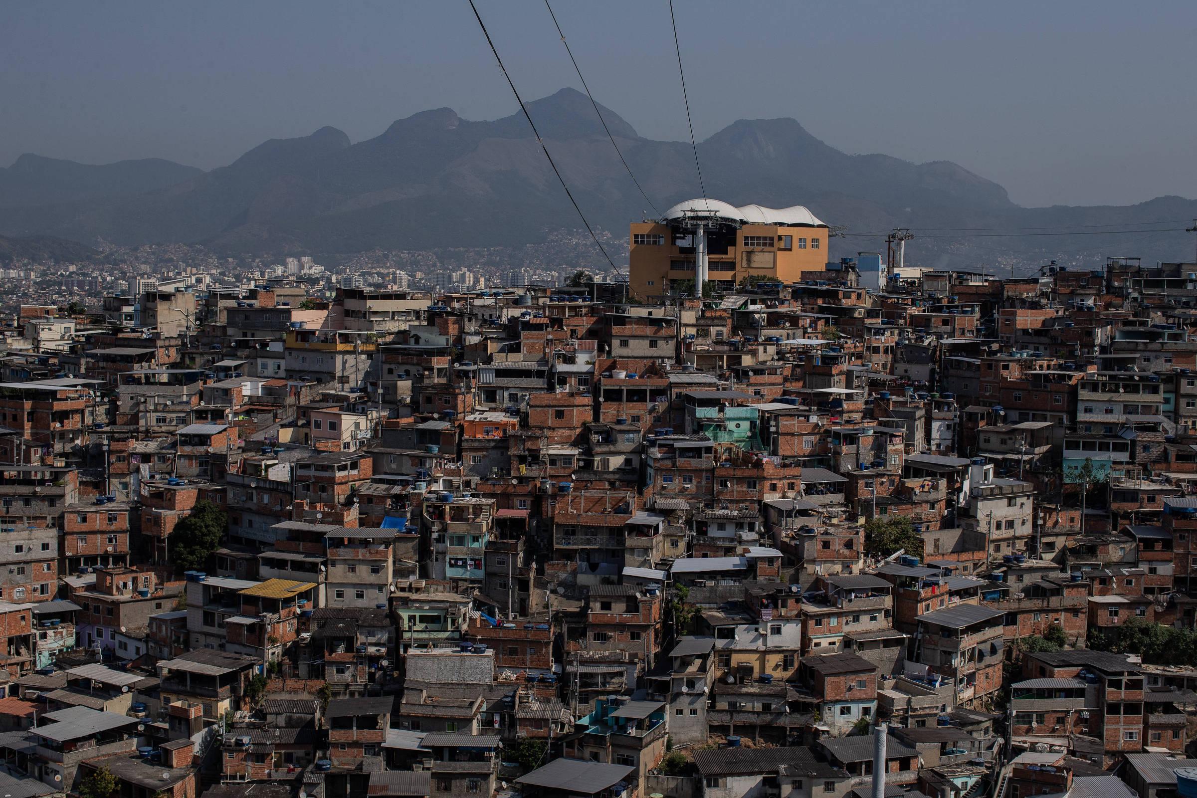 Vista do Complexo do Alemão, na zona norte do Rio de Janeiro