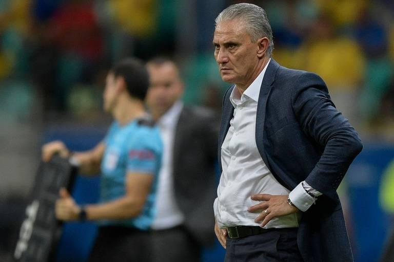 De volta ao futebol competitivo, Tite encarou a Copa América de 2019, disputada no país, como a oportunidade não só de conquistar um título, mas de ganhar tempo e se estabelecer de fato como o nome para o Mundial de 2022. O começo foi ruim, com vitória discreta sobre a Bolívia, no Morumbi, e empate sem gols diante da Venezuela na segunda rodada