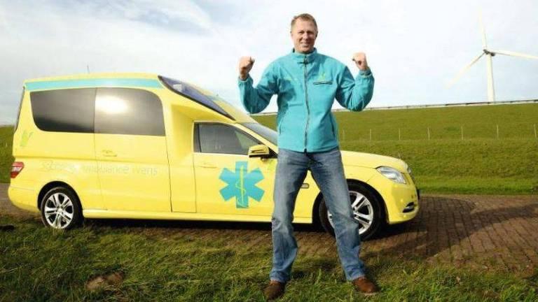 O motorista de ambulância que ajuda pacientes terminais a realizar últimos desejos