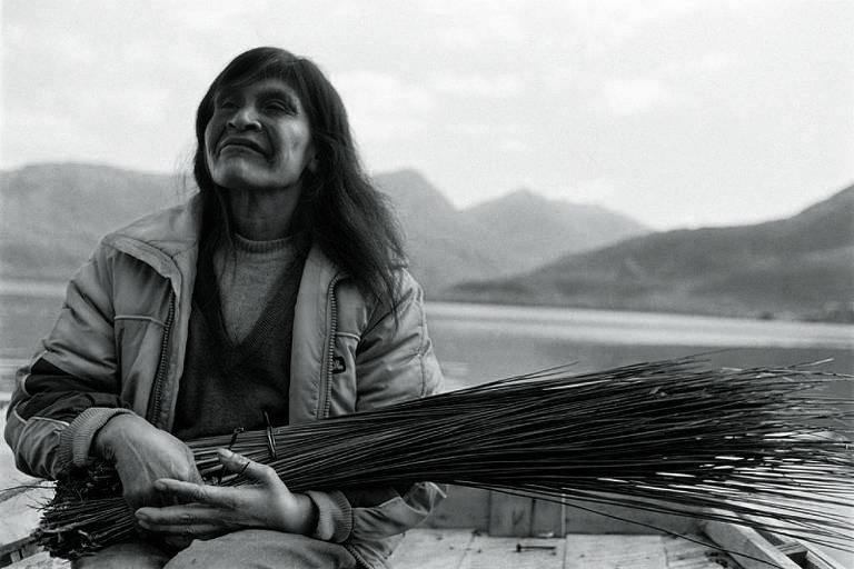 Paz Errázuriz reúne em mostra retratos da ditadura chilena e de força feminina