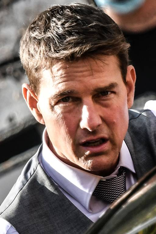 """O ator norte-americano Tom Cruise observa as filmagens de """"Missão Impossível: Lybra"""""""