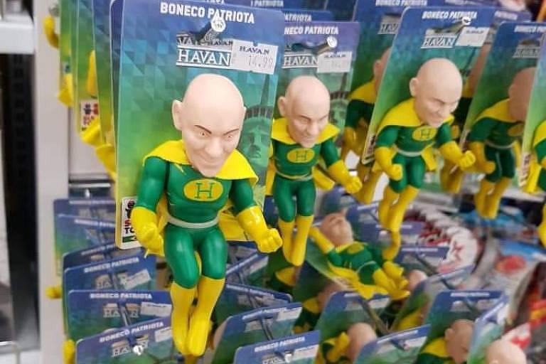Capitão Brasil é o boneco em homenagem a Luciano Hang, o dono da Havan