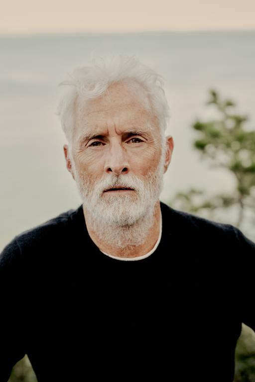 Imagens do ator John Slattery