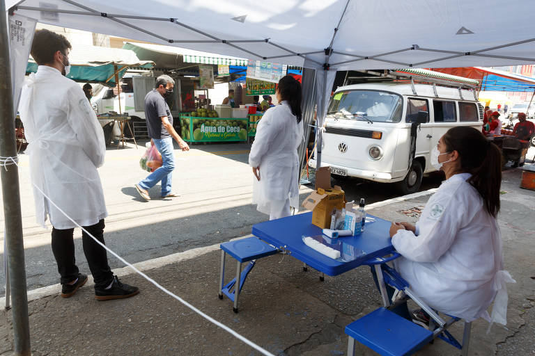 Tendas em feiras livres realizam teste da Covid-19 na capital paulista