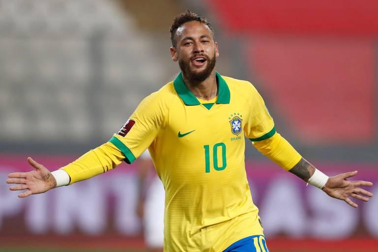 Neymar comemora um de seus 3 gols contra o Peru, pelas Eliminatórias