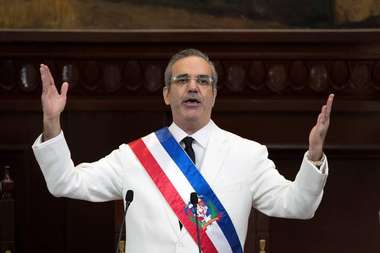 Luis Abinader, eleito neste ano presidente da República Dominicana, discursa no Congresso, em Santo Domingo