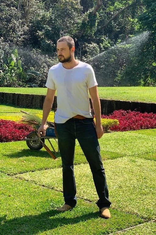 Imagens do ator Sergio Guizé