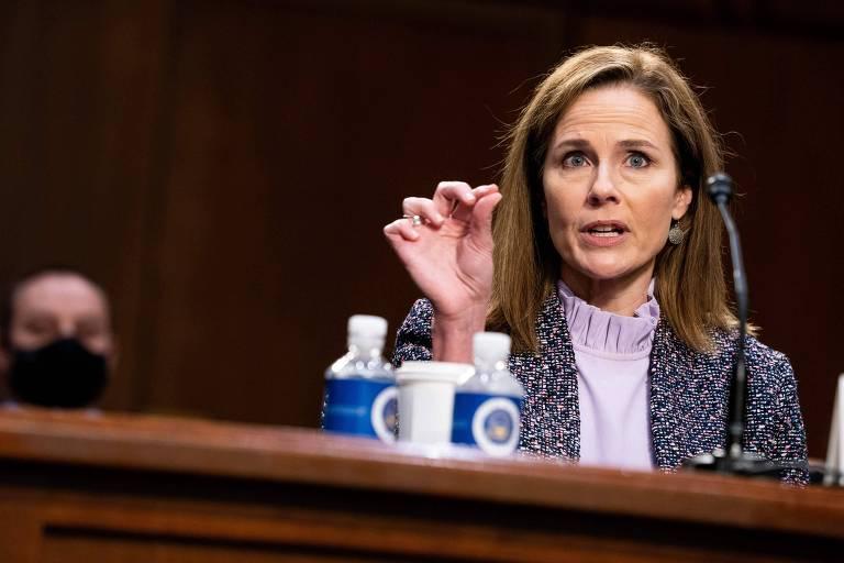 Amy Coney Barrett, indicada de Donald Trump para a Suprema Corte, durante terceiro dia de audiências no Senado, em Washington
