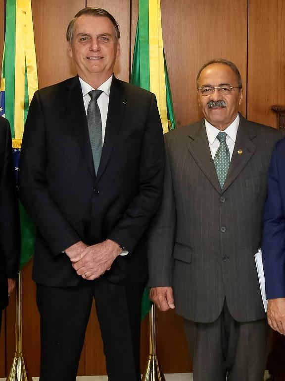 Presidente da República, Jair Bolsonaro ao lado do Senador Chico Rodrigues (DEM-RR) durante encontro com Senador Fernando Bezerra Coelho (MDB-PE)