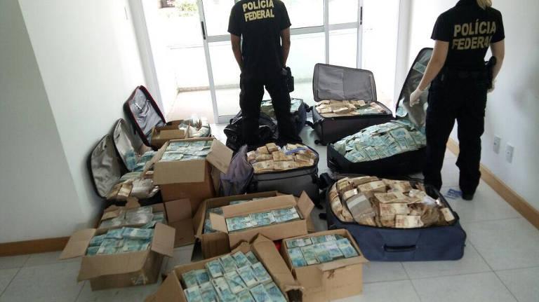 Relembre flagras de dinheiro escondido