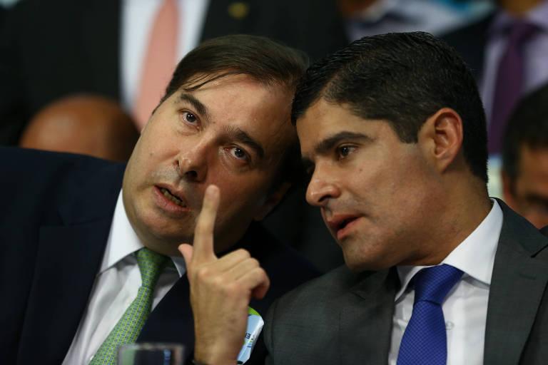 O presidente da Câmara, Rodrigo Maia (DEM-RJ), e o prefeito de Salvador, ACM Neto, presidente nacional do DEM