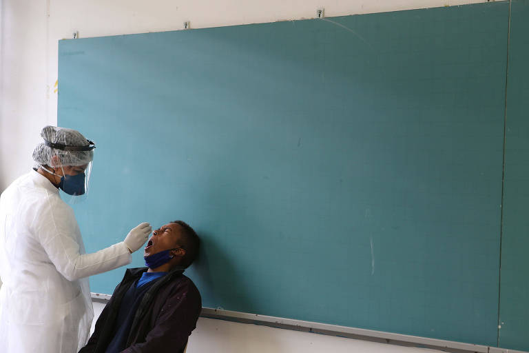Aluno é testado em sala de aula