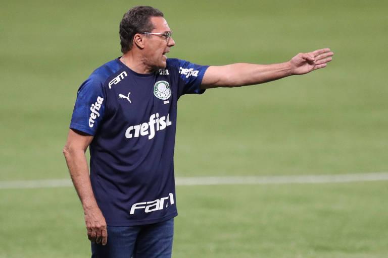 Luxemburgo durante a derrota do Palmeiras para o Coritiba, no Allianz Parque, na última quarta-feira (14)