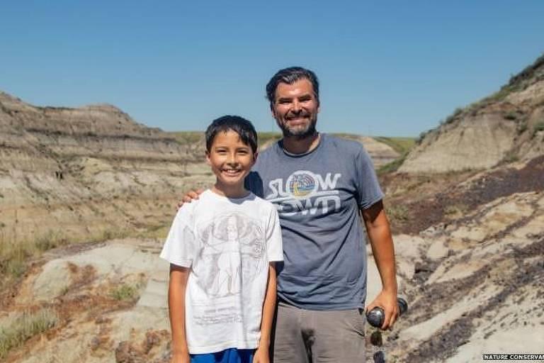 Nathan e Dion frequentemente fazem caminhadas na unidade de conservação de Alberta Badlands