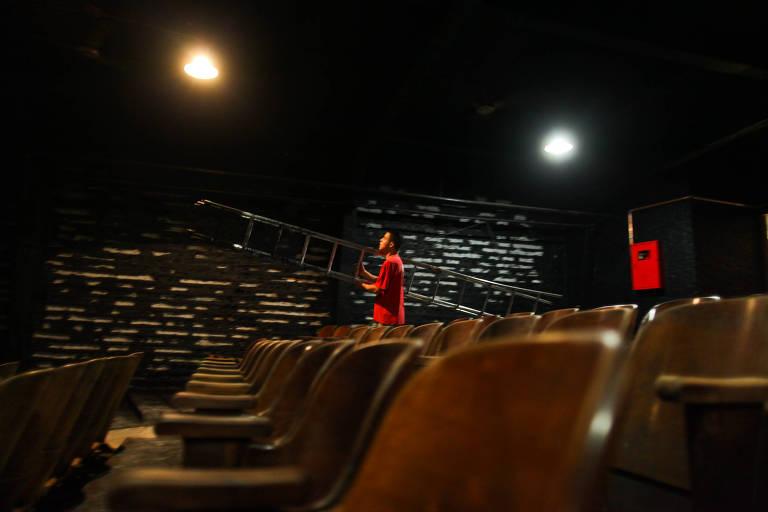 O Teatro Paiol em 2012, quando estava sendo reformado