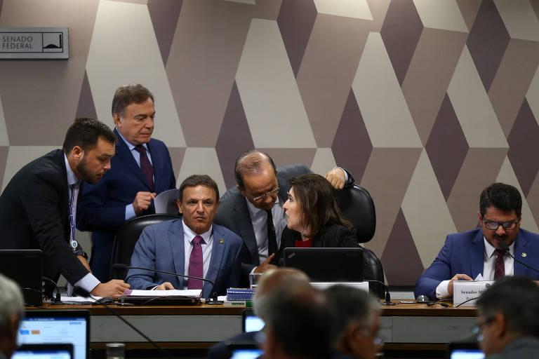 Senadores durante sessão da CCJ (Comissão de Constituição e Justiça), a principal da Casa