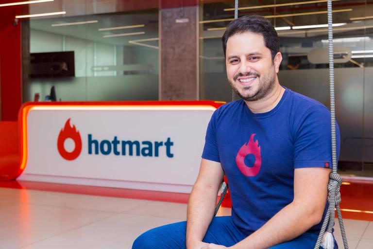 João Pedro Resende, cofundador da Hotmart, na sede da empresa em Belo Horizonte