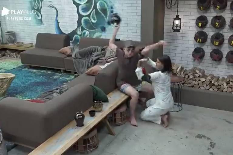 Após festa, Lucas quebra vasos em A Fazenda 12