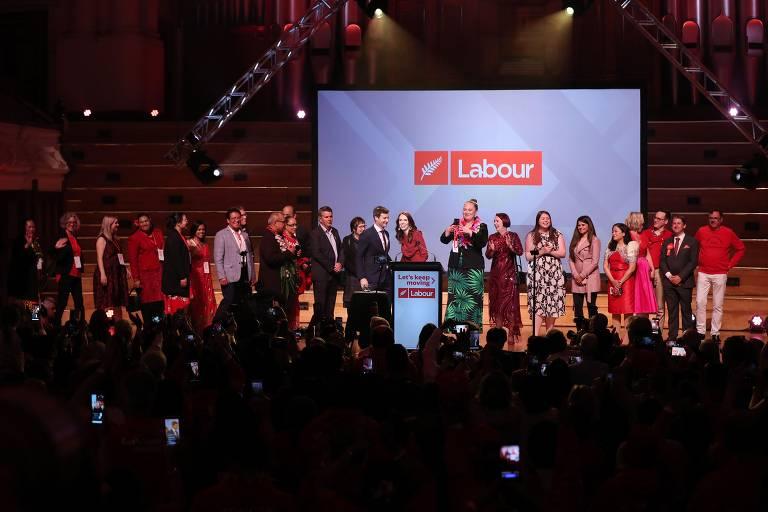 Jacinda Ardern é reeleita primeira-ministra na Nova Zelândia