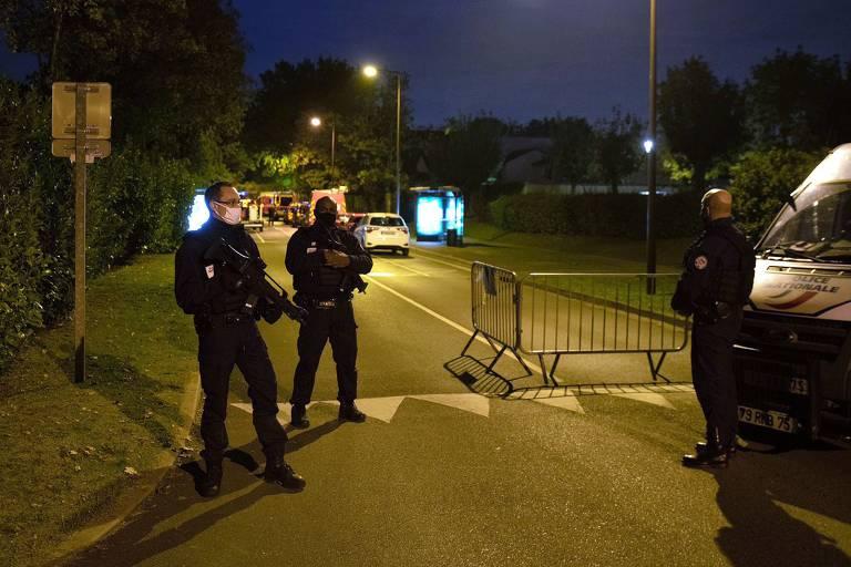 Professor é decapitado em Conflans Sainte-Honorine, no subúrbio de Paris