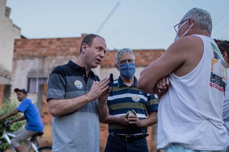 O candidato Vitorio de Simoni (MDB), em campanha em Jaboticabal no último dia 14
