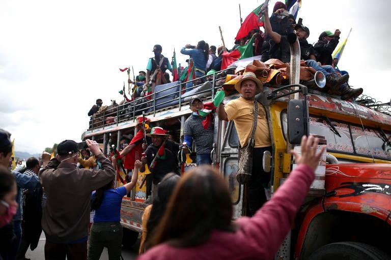 Grupo protesta contra indicação de Kassio Nunes para o STF; veja fotos de hoje