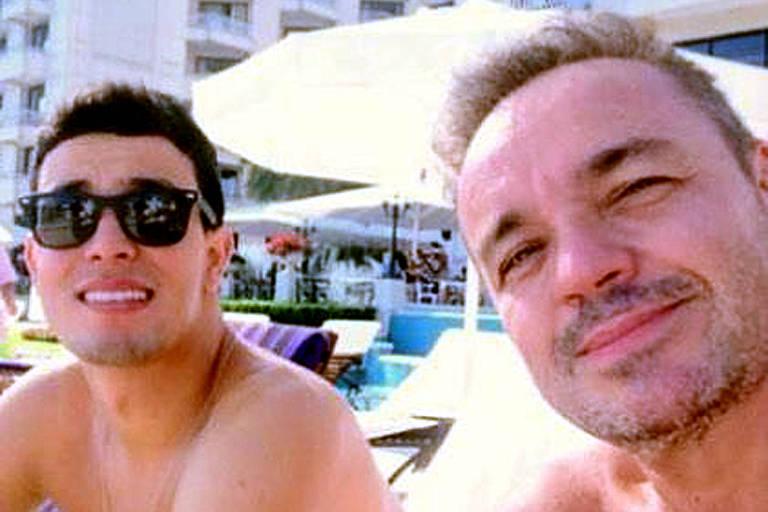 Thiago Salvático posta foto com Gugu Liberato