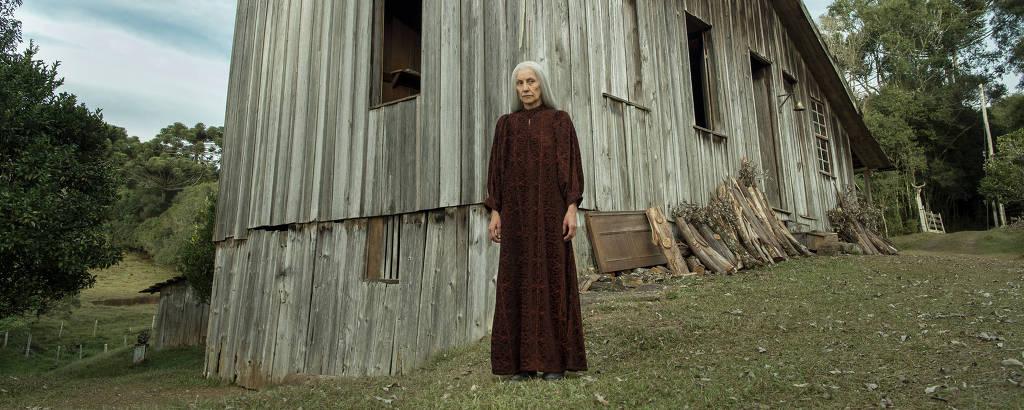 Cassia Kis como a Haia de 'Desalma'