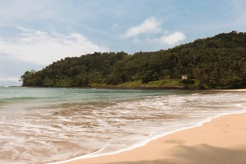 Praia Micondó, na região sul de São Tomé